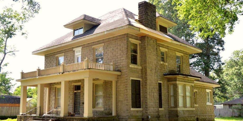 Загородный дом в стиле американского форсквера